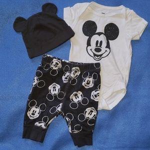 4/$20 - Disney Mickey Mouse Baby Set